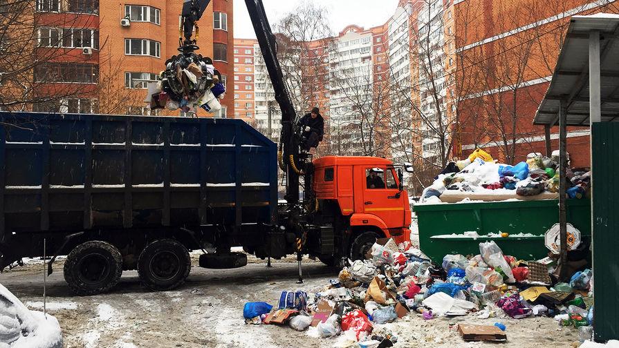 Россиянам грозит повышение тарифа на мусор, сообщают СМИ