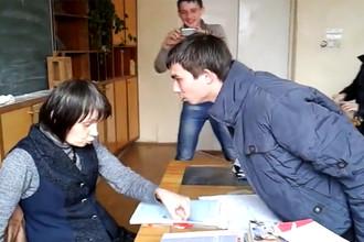 Кар из видеозаписи со сценой издевательства над педагогом в профессиональном училище №8 Йошкар-Олы