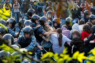 Столкновения с полицией на Болотной площади 6 мая 2012 года