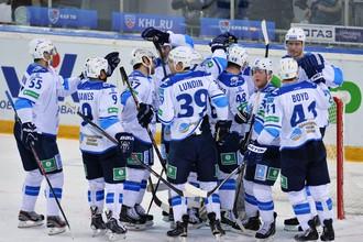 Хоккеисты «Барыса» вновь сравняли счет в серии с «Авангардом»