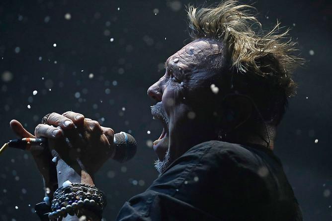 Гарик Сукачев во время концерта GO!, посвященного его 60-летию, в МСК «ЦСКА Арена», 16 ноября 2019 года