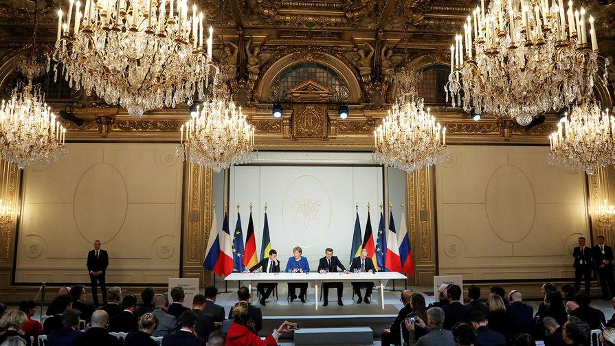 Во время пресс-конференции по итогам саммита «нормандского формата» в Елисейском дворце, 10 декабря 2019 года