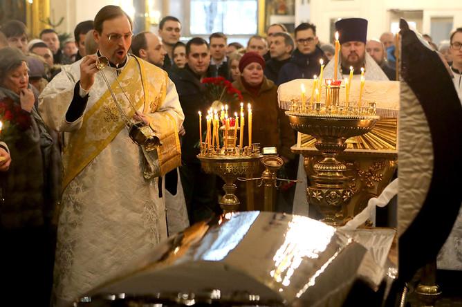 На церемонии прощания с хирургом-онкологом Андреем Павленко в Спасо-Преображенском соборе в Санкт-Петербурге, 6 января 2020 года