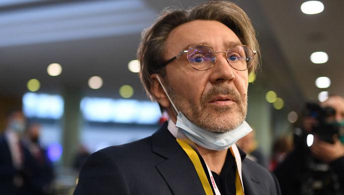От Андрея Разина до фаната: кто подавал в суд на Шнурова