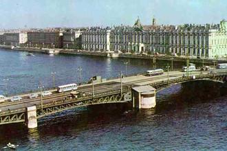 Вид на Дворцовую набережную, 1964 год