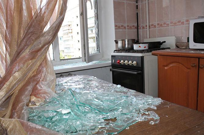 Разрушенная квартира в жилом многоквартирном доме, пострадавшем в результате обстрела города Горловки Донецкой области