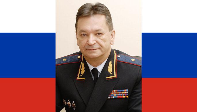 Александр Прокопчук в 2012 году и флаг России, коллаж «Газеты.Ru»