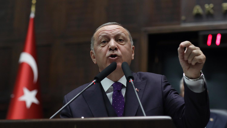 Президент Турции Реджеп Тайип Эрдоган во время обращения к членам правящей партии в Анкаре, 5...