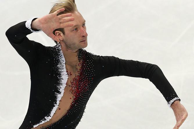 Евгений Плющенко во время выступления с короткой программой в командных соревнованиях по фигурному катанию на XXII зимних Олимпийских играх, 2014 год