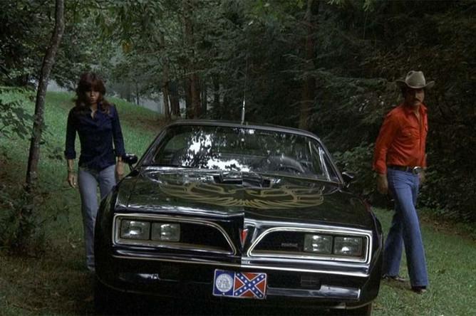 Кадр из фильм «Смоки и Бандит» (1977)
