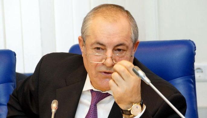 «Тунеядцы и алкаши»: депутат оскорбил бедных пенсионеров