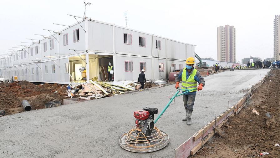 Рабочий на стройплощадке, 2 февраля 2020 года