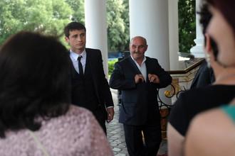 Алан Дзагоев перед началом свадебной церемонии