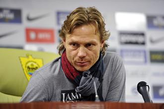 Валерий Карпин признал, что «Анжи» сыграл лучше, чем «Спартак»