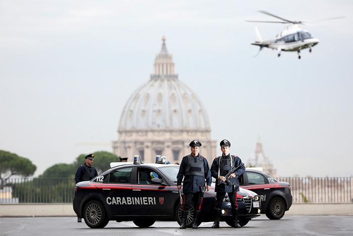 Отряд национальной военной полиции Италии в Риме