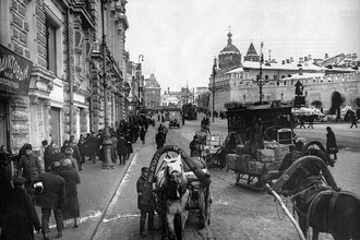 Театральный проезд, вид на Лубянскую площадь, конец 1920-х гг.