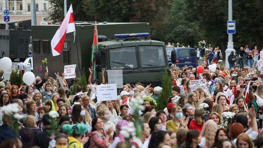 Во время женской демонстрации в Минске, 29 августа 2020 года