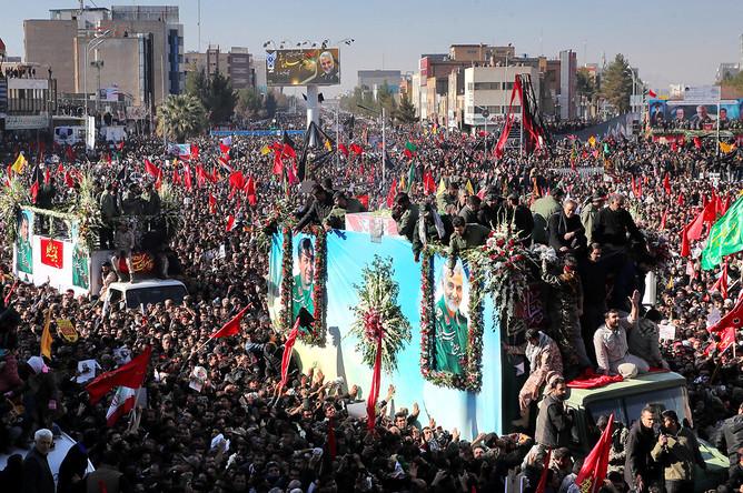 Во время похорон генерала Касема Сулеймани в Кермане, 7 января 2020 года