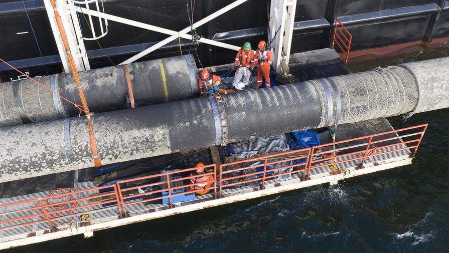 Судно Фортуна начало укладывать трубы Северного потока - 2 в Дании