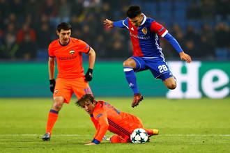 Алан Дзагоев (слева) вернулся после травмы и стал героем матча против «Базеля»