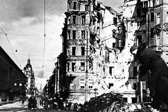 На улицах блокадного Ленинграда, март 1943 года