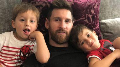 Аргентинский футболист Лионель Месси в третий раз стал отцом
