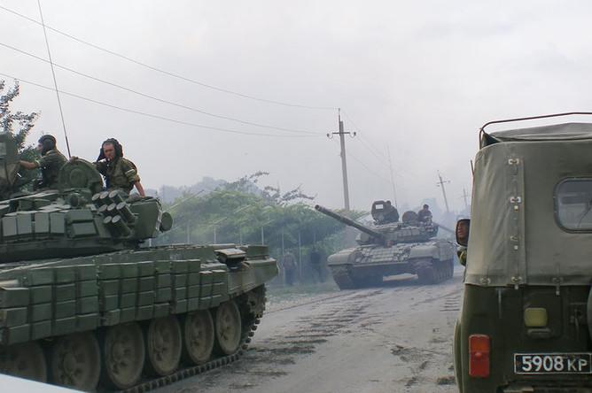 Российские военнослужащие в районе Цхинвала в Южной Осетии, 11 августа 2008 года