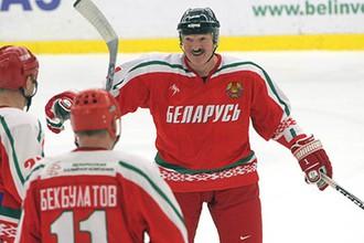 Александр Лукашенко большой любитель хоккея