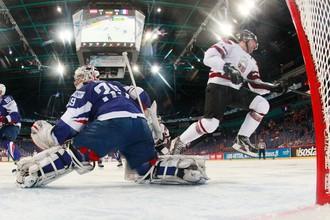 Латвия обыграла французов и сохранила шансы на плей-офф