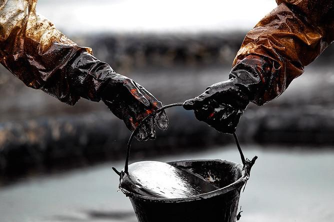 Разливы нефтепродуктов происходят из-за дыр в законодательстве, считает Greenpeace