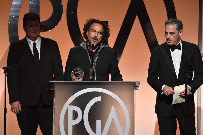 Лучшим фильмом 26-й премии Гильдии продюсеров США стал «Бёрдмэн» Алехандро Гонсалеса Иньярриту. Режиссер получает награду на сцене.