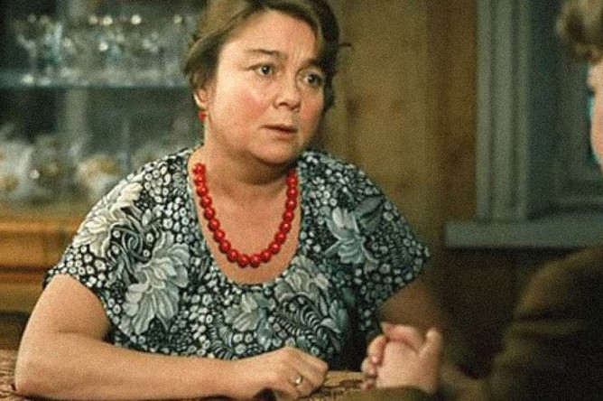 Нина Дорошина в фильме «Любовь и голуби» (1984)