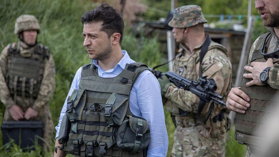 Зеленский потребовал наказать за воровство в оборонном комплексе