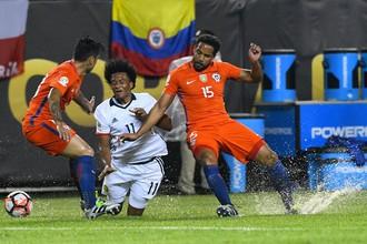 Чили против Колумбии в полуфинале Кубка Америки