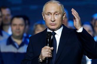 Владимир Путин на митинге, посвященном 85-летию Горьковского автомобильного завода в Нижнем Новгороде, 6 декабря 2017 года