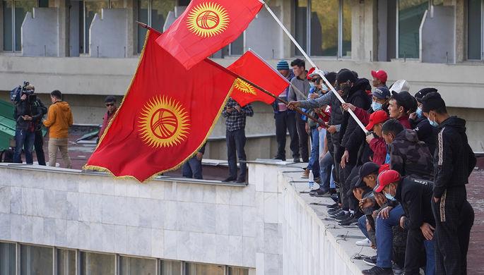 Выборы в Киргизии: кто бросил вызов Жапарову