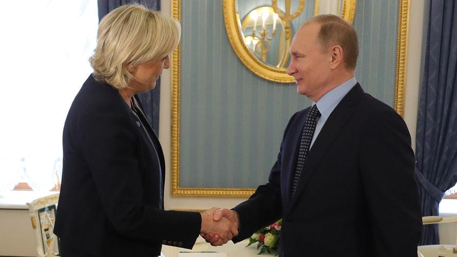 Владимир Путин и лидер политической партии Франции «Национальный фронт», кандидат в...