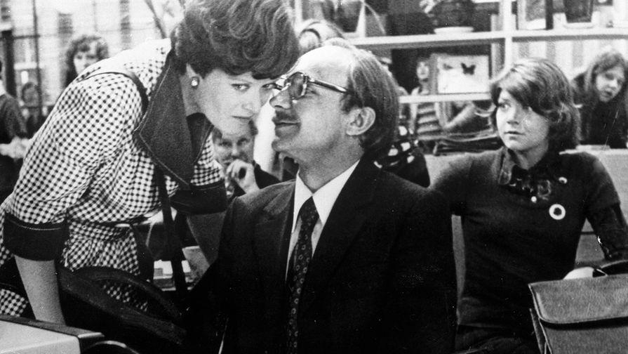 Алиса Фрейндлих и Андрей Мягков на съемках фильма «Служебный роман», 1981 год