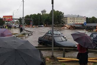 Заплывы на улицах: Москва уходит под воду