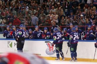 Хоккеисты «Сибири» уступили «Локомотиву» на своем льду