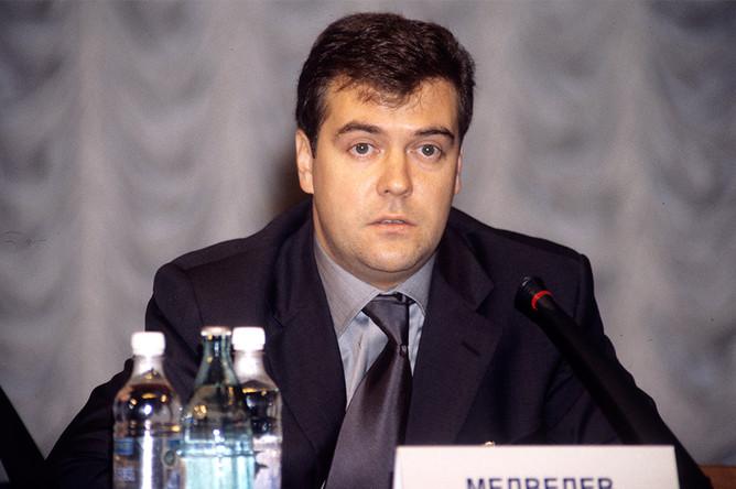 Дмитрий Медведев, 2000 год