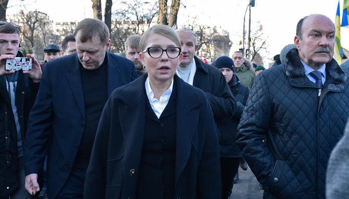 Лидер партии «Батькивщина» Юлия Тимошенко во время акции протеста около здания Верховной рады Украины в Киеве, 17 декабря 2019 года