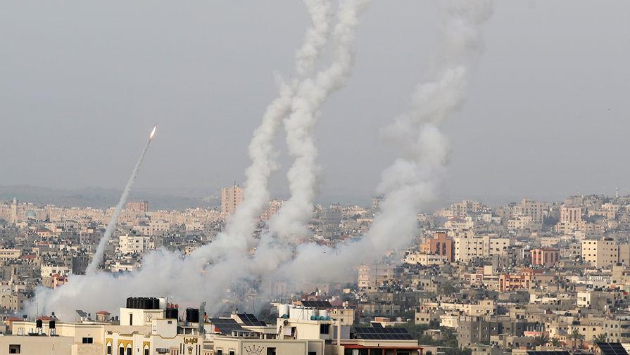 Более 200 ракет запустили из сектора Газа по Израилю