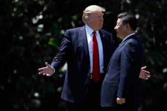 Президент Дональд Трамп и глава Китая Си Цзиньпин в Мар-а-Лаго, Палм-Бич, штат Флорида, 7 апреля 2017 года