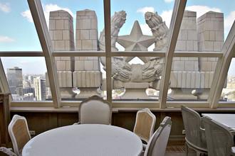 Ресторан в отреставрированном здании бывшей гостиницы «Украина», а ныне Radisson Royal Hotel, Moscow