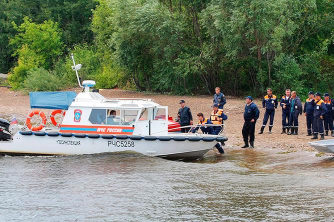 Спасательные работы на месте, где затонул прогулочный теплоход «Булгария»