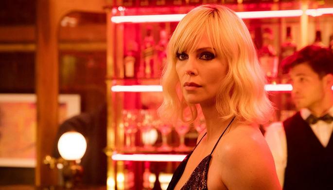 Кадр из фильма «Взрывная блондинка» (2017)