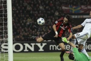 Филиппо Индзаги забивает свой первый мяч «Реалу»