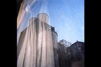 Обложка альбома Sun Kil Moon «Common as Light and Love Are Red Valleys of Blood» (2017)