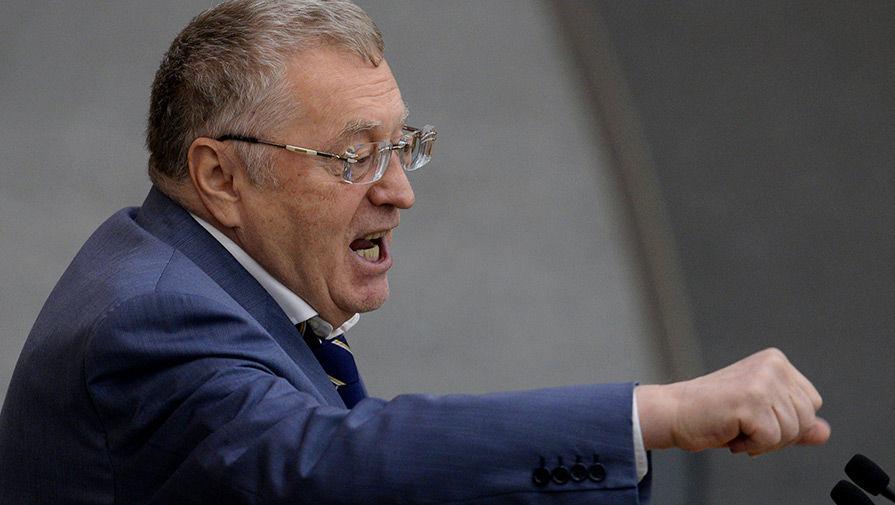 Жириновский призвал посадить мужчину, ударившего Макрона